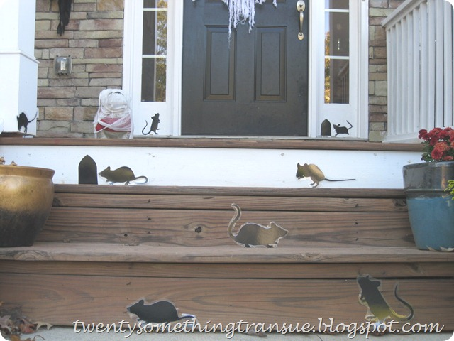 Halloween Front Porch 006