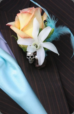 600_grooms_boutonniere untamed floral designs