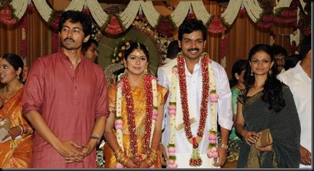 celebs_at_actor_karthi_and_ranjini_wedding_0307110620_036