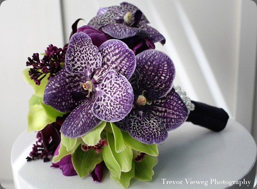deep-purple-vanda-green-wedding-bouquet aileen tran