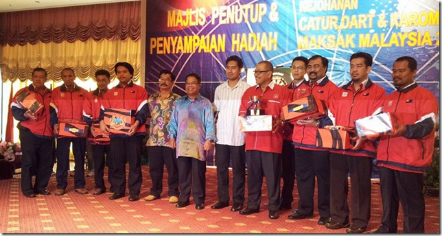 Johor proud winners of MAKSAK Team Chess 2013 in JB
