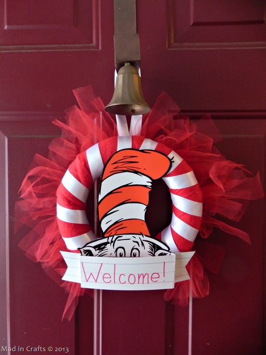 seuss party wreath