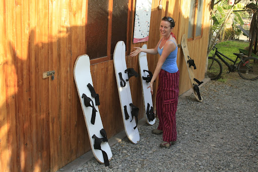 Later that day we were off buggying and boarding. Here we have Lynette showing off Huacachina's finest planks of wood... oh you mean these are SANDboards?
