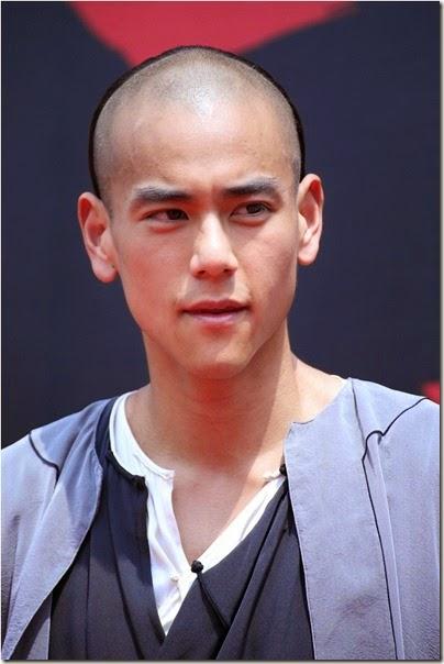 2013.09.03 Eddie Peng during Rise of the Legend - 彭于晏 黃飛鴻之英雄有夢 烏鎮 探班 02