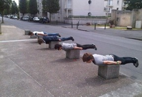 Bizarre-And-Funny-Planking-Craze-1