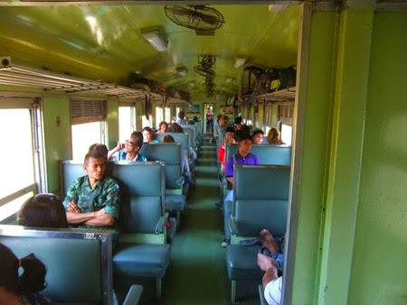 tren de Lopburi a Phitsanulok