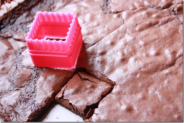 IMG_5698_rosa_brownies_marsipan_browniebiter