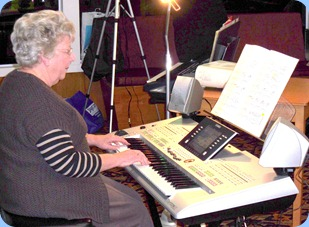 Barbara Powell played her Yamaha Tyros 3 for us