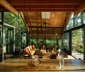 Cabaña-de-madera-Sneeoosh-Zeroplus-Architects