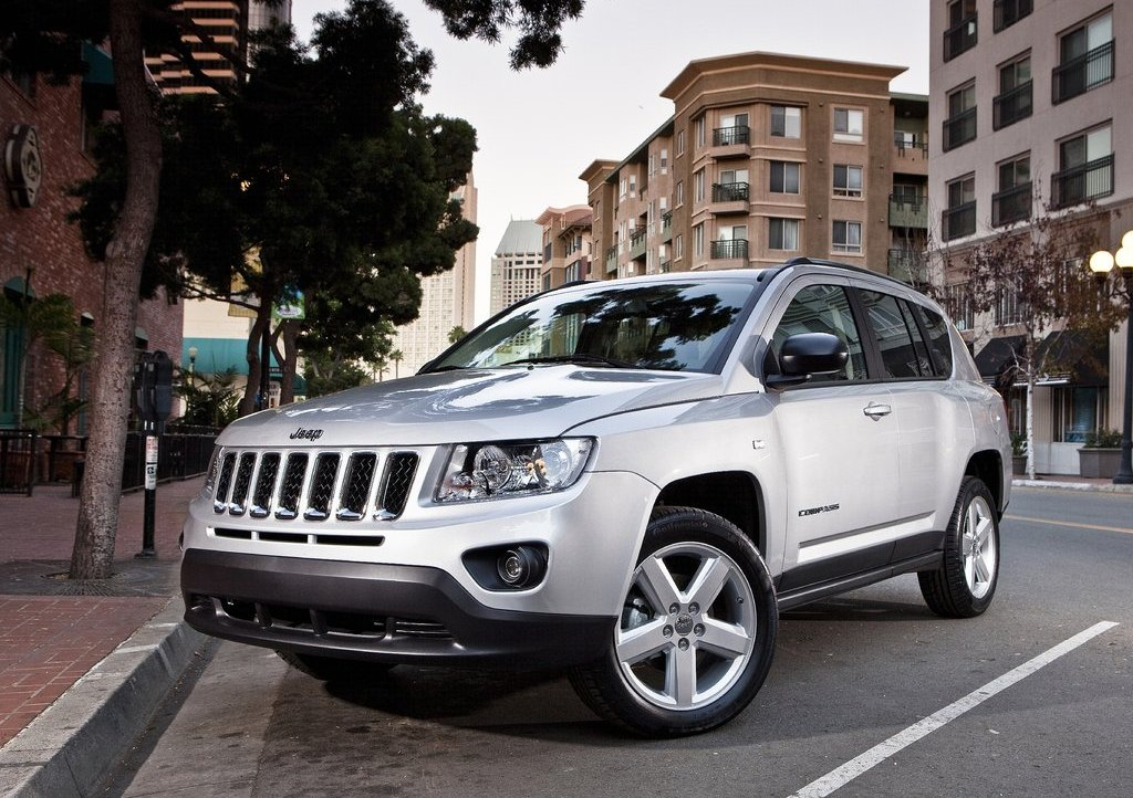 Yeni-Jeep-Compass-Facelift-10.jpg?imgmax=1800