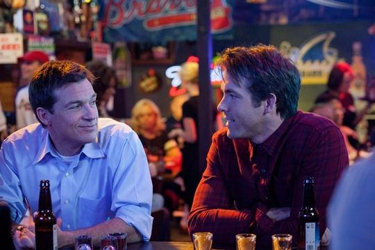 "(L to R) Dave (JASON BATEMAN) and Mitch (RYAN REYNOLDS) have an overdue night out in ""The Change-Up"", the new comedy from the director of Wedding Crashers and the writers of The Hangover that takes the body-switching movie where it's never gone before."