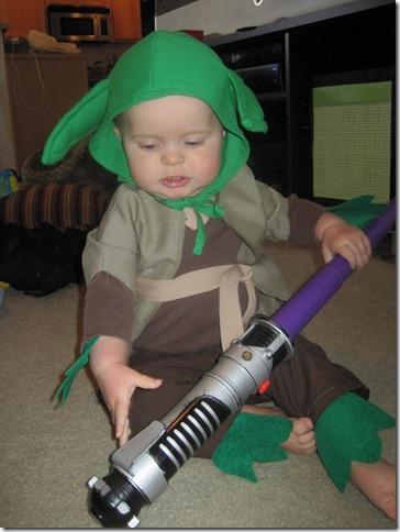 disfraz yoda para bebe (2)