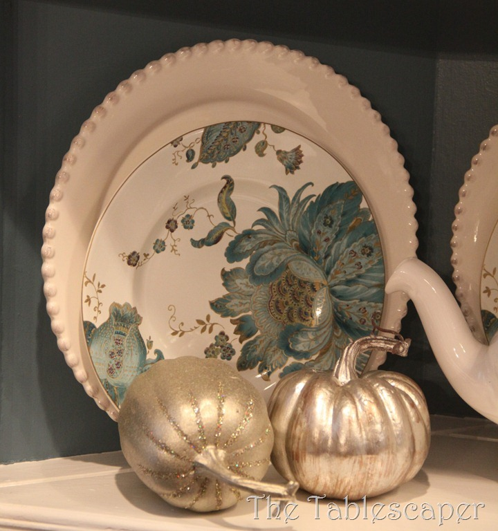 Fall Metallic Dining room 057