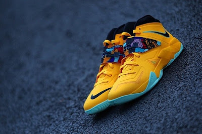 nike zoom soldier 7 gr yellow pop art 1 01 Preview of Nike Zoom LeBron Soldier VII Pop Art