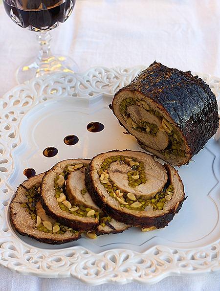 3Roast beef gatit in Marsala,umplut cu sparanghel,nuci de caju si parmezan