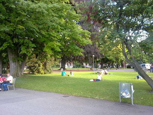 Jardin anglais ginebra gu a de viajes y turismo for Jardin anglais que planter