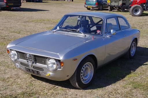 Alfa Romeo Giulia GT (GTA