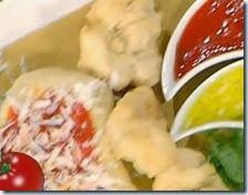 Pettole con salsa di pomodoro e cacioricotta