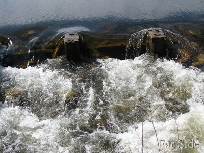Shell River coming out of Shell Lake (2)