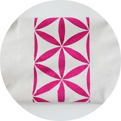 magenta table runner