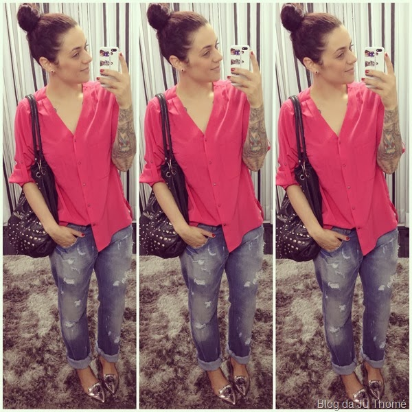 look jeans destroyed, camisa rosa e sapato prata (2)