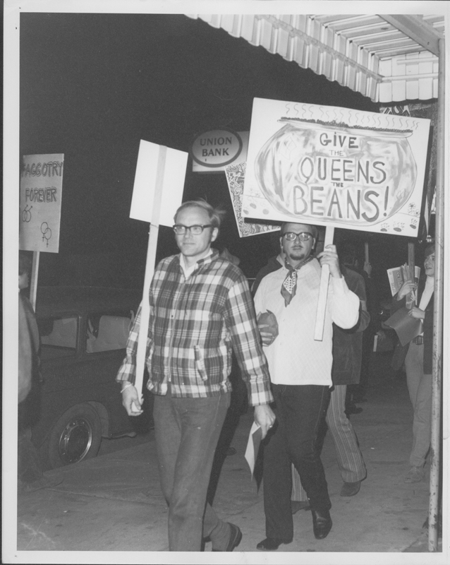 "Gay Liberation Front pickets Barney's Beanery regarding their posting of ""Fagots [sic] Stay Out"" signs. 1969."
