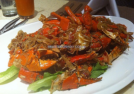 Crab Buffet Plaza Brasserie Stir-Fried Flower Crabs Chilli Black Pepper Nonya Curry Crab, X.O. sauce Crab, Butter, Stirred Fried Crab Egg Yolk, Thai Green Curry Mud Crab Sichuan Style, Tom Yum, PARKROYAL Beach Road