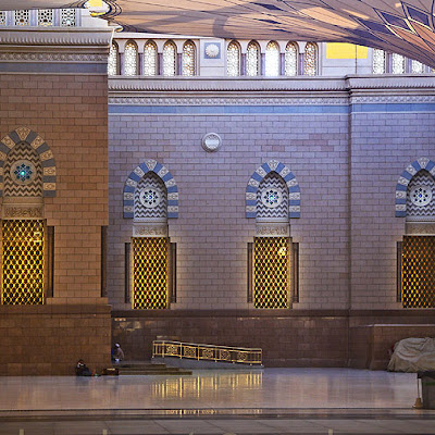 the-holy-prophets-mosque-in-madinah-7.jpg