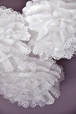 eyelet tissue poms tutorial