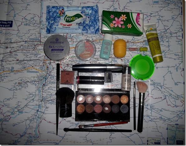 Obsah kosmetické tašky (2)
