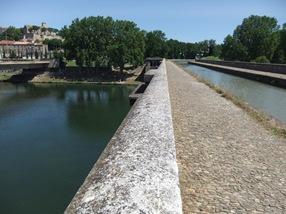 canal du Midi por encima de un río