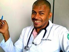 1 - Pegava livros no lixo - ex-catador de Brasília conta como virou médico 400x300