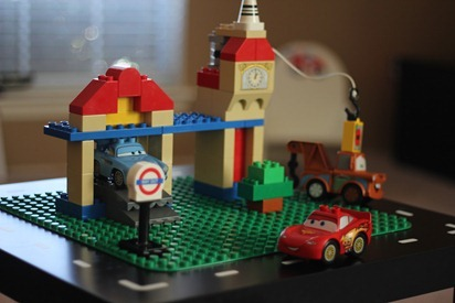 Lego Table 04