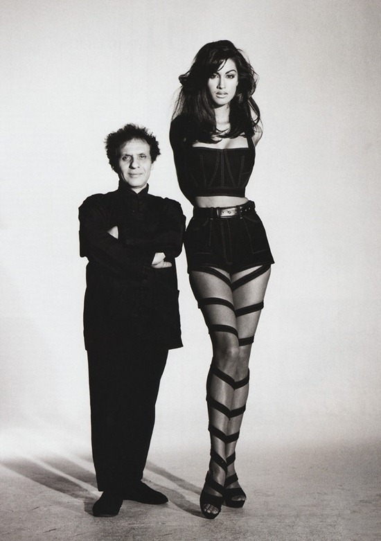 azzedine-alaia-yasmin-gauri-demarchelier-vogue-1991
