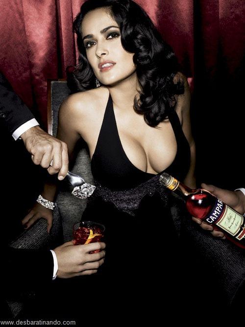 salma hayek linda sensual sexy sedutora gostosa peituda boob tits desbaratinando  (8)