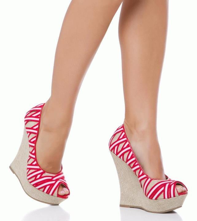 احذية فخمة للصبايا 2014 - صنادل راقية للصبايا 2014 - شوزات انيقة 2014 img6330b783e3db28ddd0f829bf0706fb63.jpg