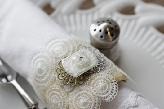 Faux Vintage Lace Napkin Rings via homework