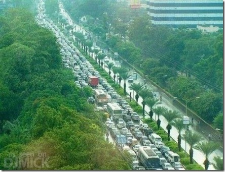 insane_traffic_jams_640_19