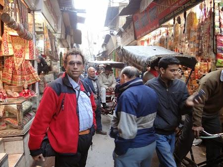 20. Bazarul din Delhi.JPG