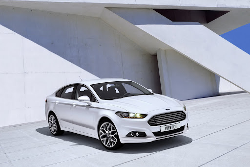 2013-Ford-Mondeo-09.jpg