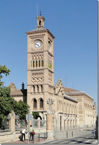 410px-Train_station_of_Toledo,_Spain_01