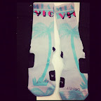nike basketball elite lebron socks southbeach 3 01 Matching Nike Basketball Elite Socks for LeBron 9 Miami Vice