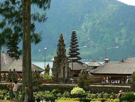 What to do in Bali: visit Bedugul Temple