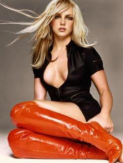 Britney Spears  Blonde Wavy Hairstyles