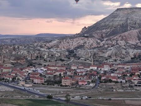 27. Cappadocia si baloanele.JPG