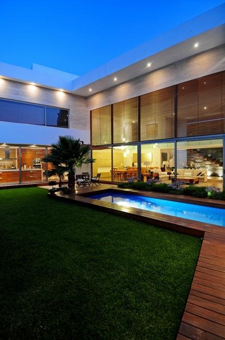piscina-casa-ev-ze-arquitectura