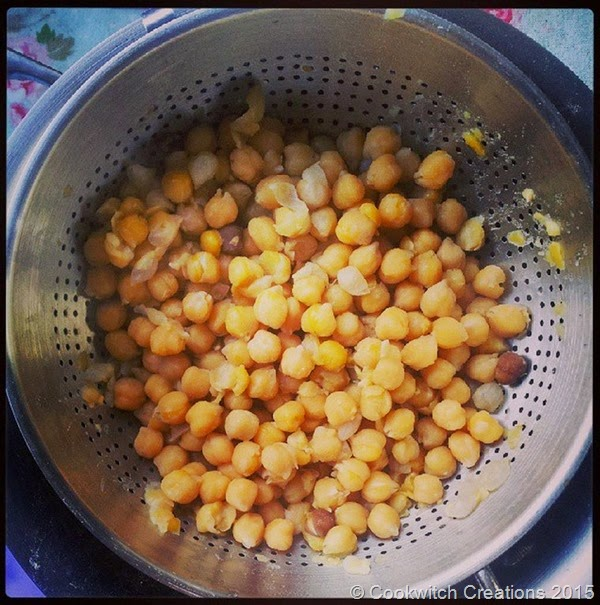 Soaked and simmered chickpeas