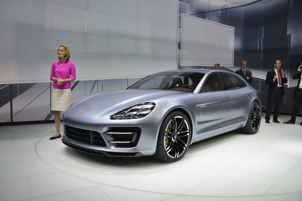 Porsche panamera sport turismo in detail with live photos and porsche panamera sports turismo c 8 sciox Image collections