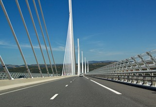 millau-bridge1