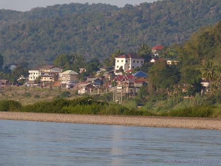 Houey Xay pe granita Laos - Thailanda